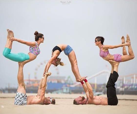 5 Lý Do Bạn Nên Rủ Ngay Hội Bạn Thân Tập Yoga 6
