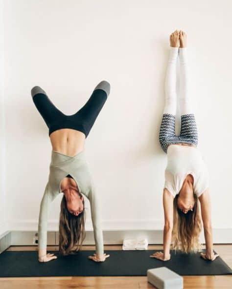 động tác yoga