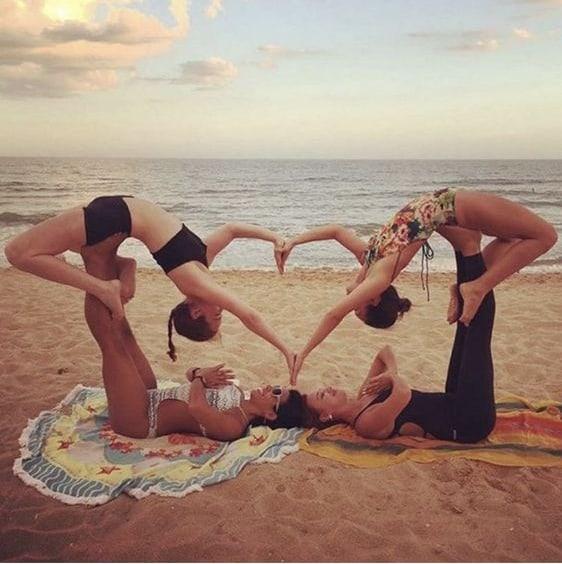 5 Lý Do Bạn Nên Rủ Ngay Hội Bạn Thân Tập Yoga 8