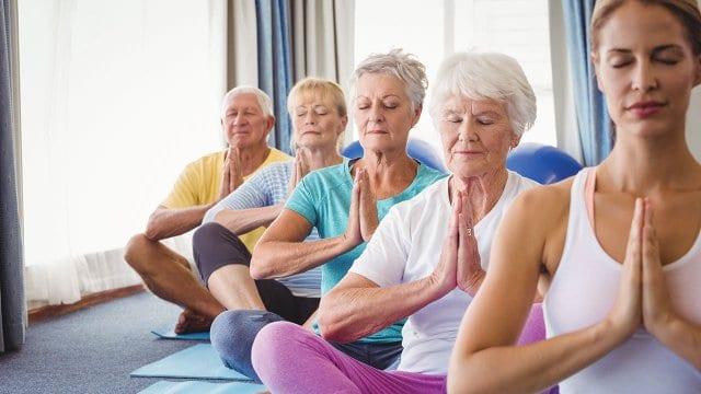 Cách Phân Biệt Giữa Yoga và Stretching 7