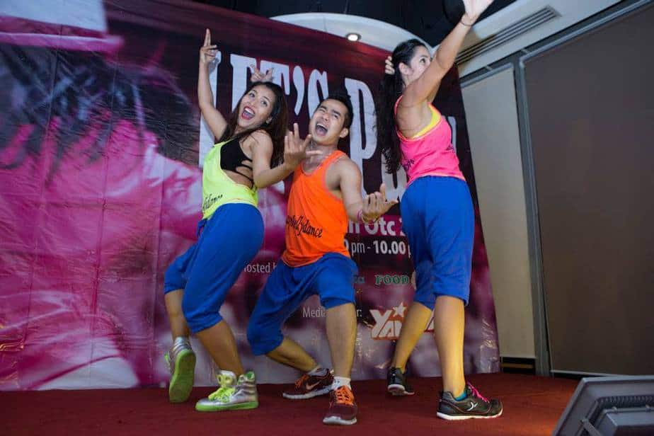 INTRODUCING TO ZUMBA 2